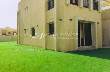 Five Bedroom, Six Bathroom, Villa For Sale in Baniyas City, Abu Dhabi - Bright and Sunny Family Home with Private Pool