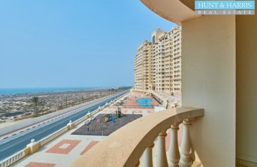 Studio, One Bathroom, Apartment To Rent in Royal Breeze 1, Al Hamra Village, Ras al Khaimah - Partly Furnished - Amazing Sea View - Walkable to the Beach