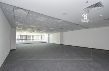1,724 Sq Ft, Office To Rent in Onyx Tower 1, The Greens, Dubai - Fitted Office for lease in Onyx Tower 1 with clean layout