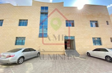Commercial Building To Rent in Al Jimi, Al Ain - Splendid 3 Br Commercial Full Building Walking Distance to Jimi Mall
