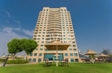 One Bedroom, One Bathroom, Apartment To Rent in Al Khan Street, Al Khan, Sharjah - City View | Chiller Free AC | 6 Cheques
