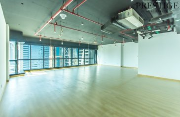 1,142 Sq Ft, Office For Sale in Jumeirah Business Center 1, Jumeirah Lakes Towers - JLT, Dubai - Fitted Office I Lake View I High-Floor   Close to Metro