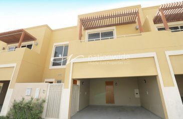 Three Bedroom, Townhouse To Rent in Yasmin Community, Al Raha Gardens, Abu Dhabi - Stunning Townhouse Type S with Expansive Garden