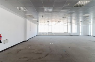 4,400 Sq Ft, Office To Rent in Sheikh Zayed Road (SZR), Dubai - Bright Open Plan Spacious Office | Ample Parking