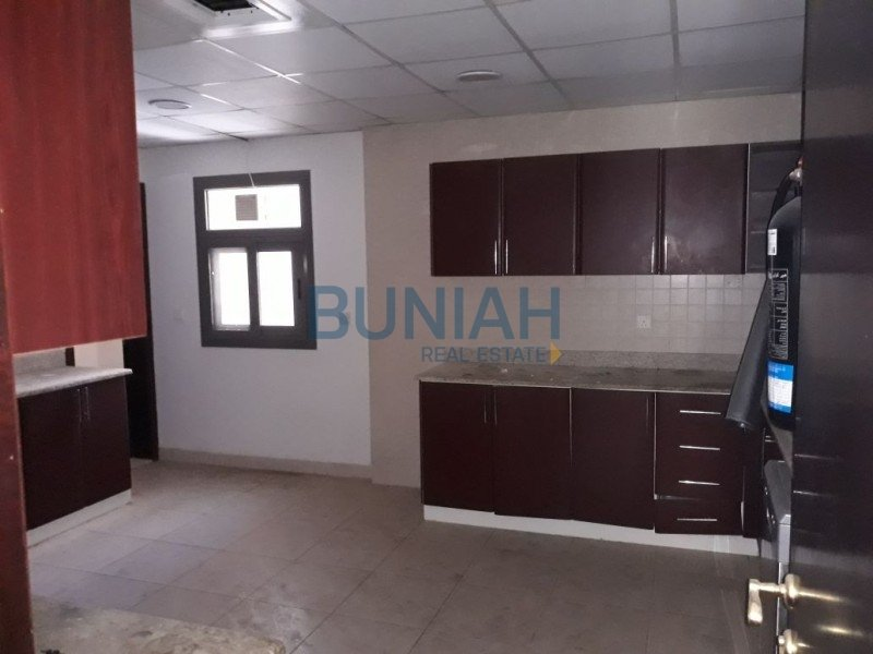 Bh R 1398 Four Bedroom Bathroom Apartment To Rent In Al Taawun Sharjah