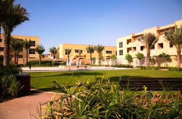 Five Bedroom, Five Bathroom, Villa For Sale in Samra Community, Al Raha Gardens, Abu Dhabi - An Affordable Family Home with Rent Refund