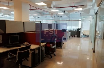 3,950 Sq Ft, Office For Sale in Bay Square 3, Business Bay, Dubai - Fitted| Office With Closed Cabins| 10 Car Parking