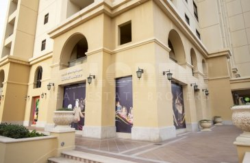 Ready to Move in Good Condition, 1,215 Sq Ft, Retail Space To Rent in Amwaj 3, Jumeirah Beach Residence - JBR, Dubai - PERFECT FOR NURSERY/ACADEMY |CORNER|HIGH POTENTIAL