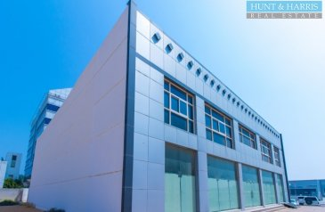 Ready to Move in Good Condition, 15,000 Sq Ft, Retail Space To Rent in Al Dhait South, Ras al Khaimah - Elegent Showroom - Stylish - Great Retail Opportunity