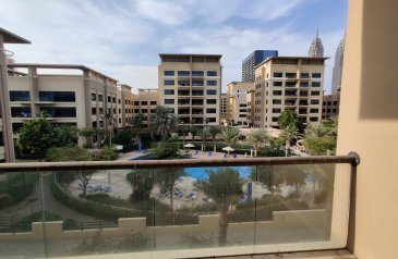 Three Bedroom, Two Bathroom, Apartment To Rent in Al Nakheel 4, The Greens, Dubai - Beautiful Pool View   3 Bedroom with Study