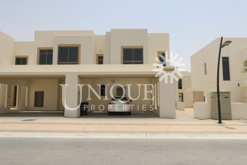 Spacious Layout  4br In Hayat Town House