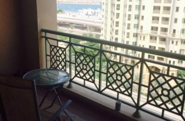 Two Bedroom, Three Bathroom, Apartment For Sale in Golden Mile 2, The Palm Jumeirah, Dubai - Beautiful - Well kept 2 bedroom - Park facing