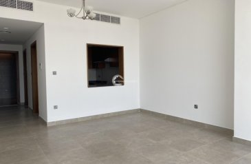 One Bedroom, Two Bathroom, Apartment To Rent in Umm Ramool, Dubai - Excuisite   Spacious   Store   Maid 